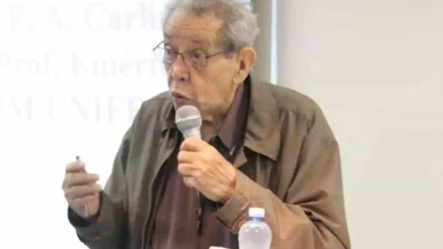 Morre Elisaldo Carlini, pioneiro em defender uso medicinal da maconha
