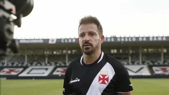 'Chateado' com derrota, Ramon cobra reação do Vasco no jogo da volta