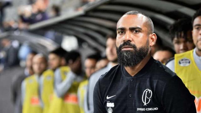 Com Coelho e base, Corinthians revê cenário de '4ª força' da época de Carille