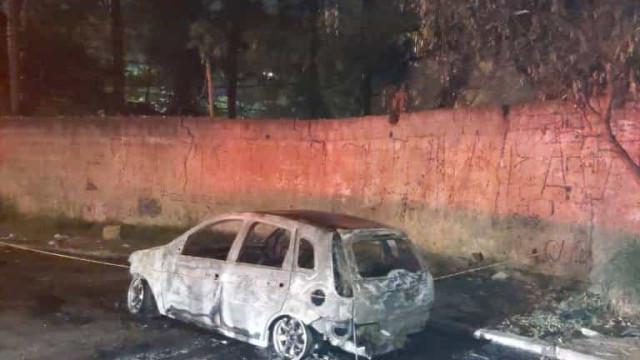Corpo é encontrado carbonizado dentro de carro na zona leste de SP