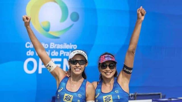 'Fora, Bolsonaro', grita jogadora de vôlei de praia em transmissão