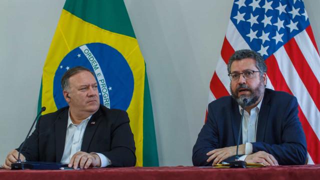 Senadores tentam barrar sabatinas de embaixadores em resposta a Ernesto