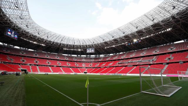 Autoridades interditam estádio no Equador e querem retorno do Flamengo ao Brasil