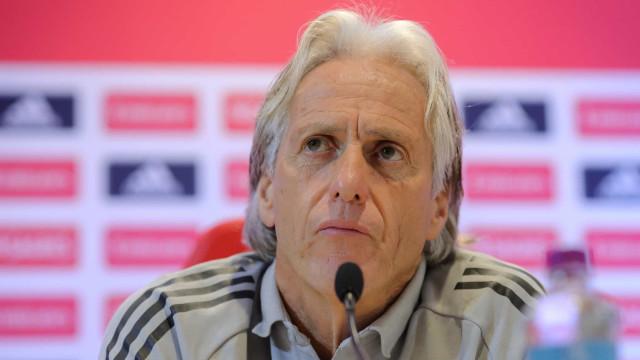 Jesus critica critério da Fifa em lista de melhores técnicos e cita títulos