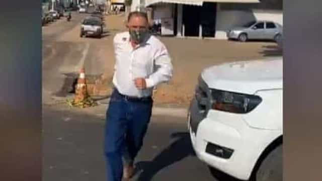 Polícia negocia entrega do suspeito por matar candidato a vereador em MG