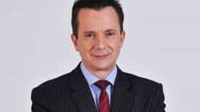 Internado, Bolsonaro recebe Russomanno e faz foto com seu candidato em São Paulo