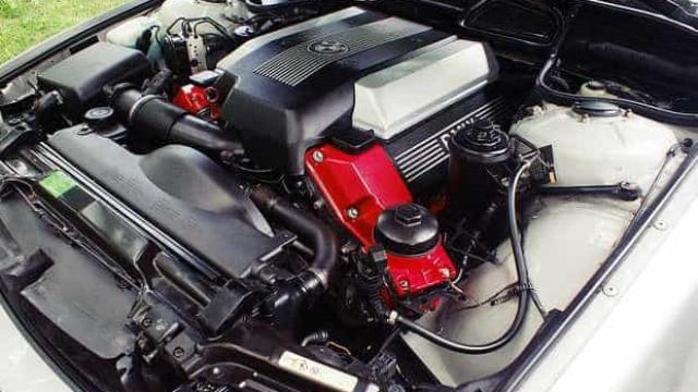 Cliente que estragou motor em test-drive terá de indenizar concessionária