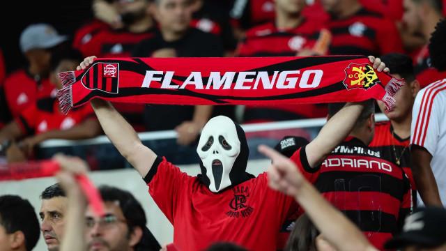 7 jogadores do Flamengo fazem exame para saber se podem jogar na 4ª