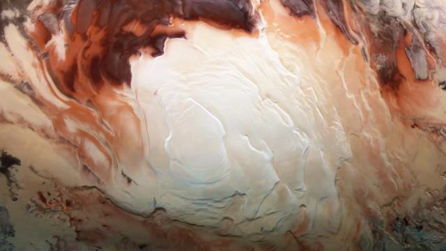 Pesquisadores descobrem novas lagoas subterrâneas em Marte