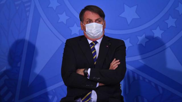 Centralizador, Bolsonaro acumula desgaste para frear ministros e Mourão