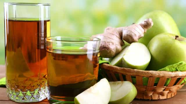 O suco de maçã e gengibre que emagrece e é um autêntico shot de energia