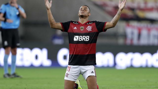 Flamengo se vinga do Del Valle e garante classificação na Libertadores