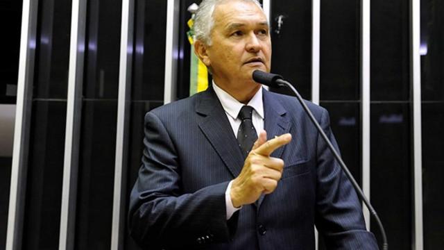 Deputado investigado quer acabar com inquérito das 'fake news'