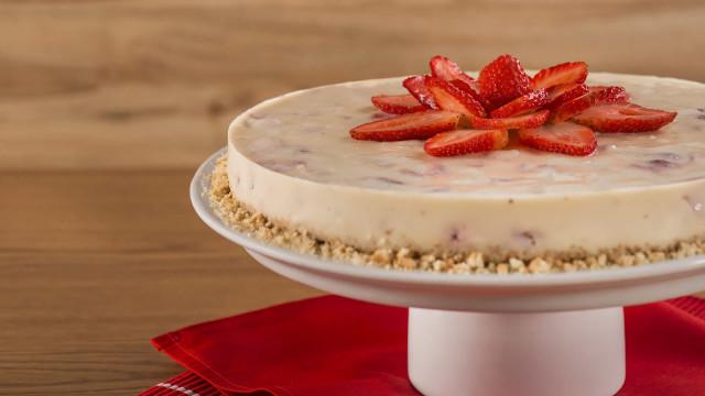 Aprenda a fazer uma deliciosa Torta Suprema de Morango