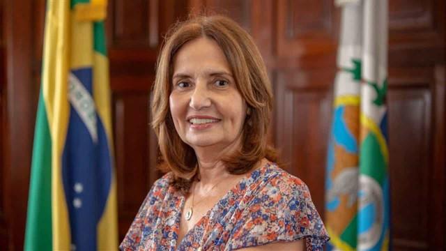 Com enfrentamentos, Paes e Martha Rocha se destacam em debate no Rio