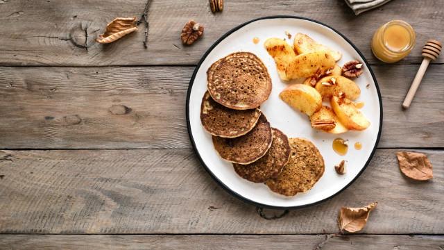 Panquecas saudáveis de abóbora e maçã. Para comer sem culpa!