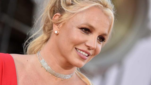 Advogado de Britney a compara a paciente em coma por não poder assinar processo