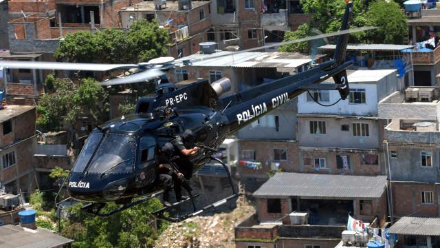 Rio tem mais operações policiais em áreas do tráfico do que de milícia