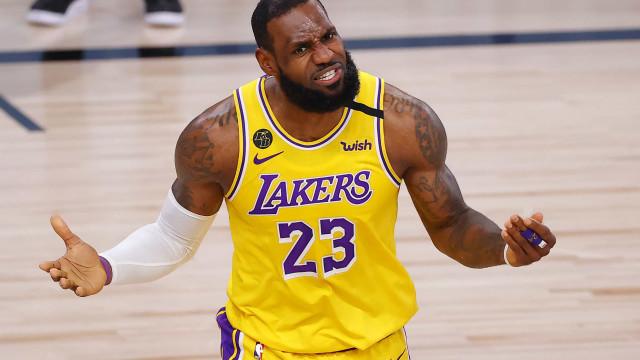 Com show de LeBron e Anthony Davis, Lakers derrotam Spurs pela 2ª vez seguida