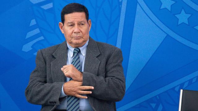 País sofre com excesso de 'tribalismo' e polarização, diz Hamilton Mourão