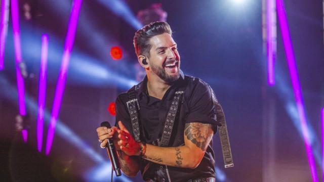 Felipe Pezzoni, cantor da Banda Eva, anuncia que será pai novamente