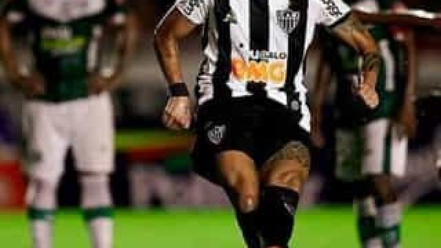 Fábio Santos se despede do Atlético-MG e assinará com Corinthians até fim de 2021