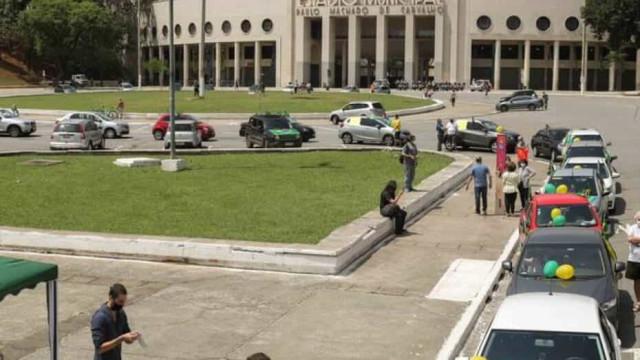 Manifestantes protestam contra indicação ao STF e reeleições no Congresso