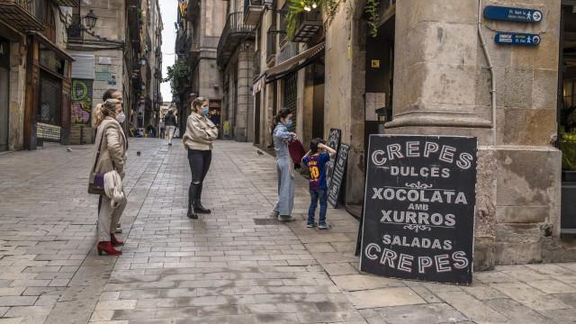 Espanha notifica 37 mil casos de infecção e 217 mortes desde sexta-feira