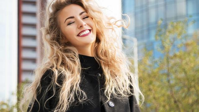 Quatro cuidados essenciais para ter um cabelo loiro perfeito
