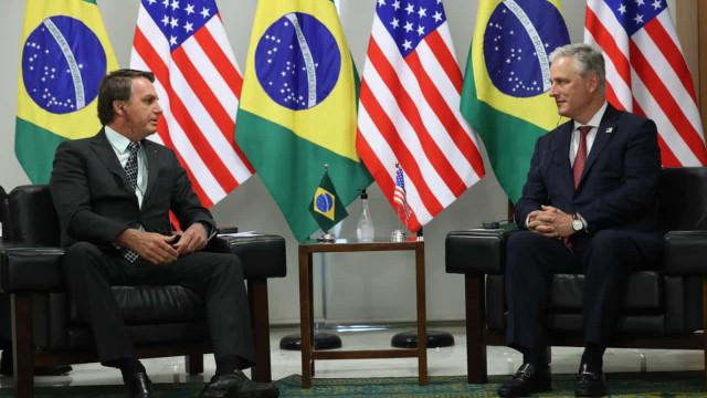 'Espero comparecer à posse de Trump', diz Bolsonaro mesmo com Biden à frente