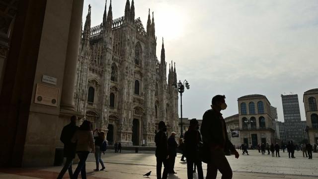 Itália notifica mais 15.199 casos e maior número de óbitos em seis meses
