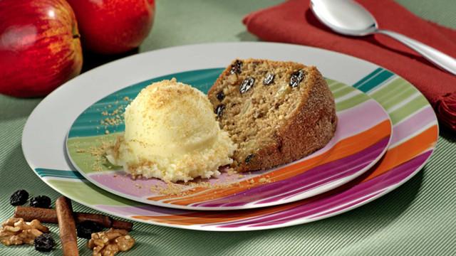 Aprenda a fazer um delicioso Bolo de Casca de Maçã com Biscoito