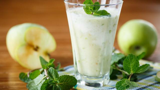 Batido de maçã e hortelã para desintoxicar o organismo