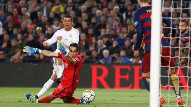 Real Madrid decide no 2º tempo, vence o Barcelona no Camp Nou e se reabilita