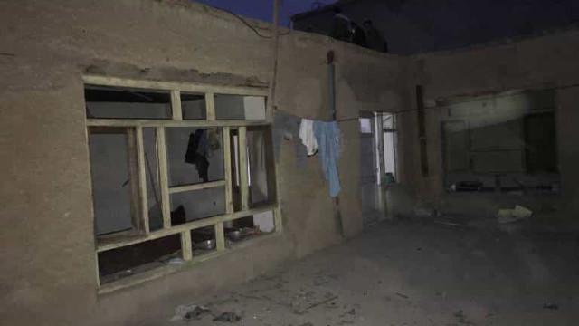 Ataque suicida perto de escola deixa 18 mortos no Afeganistão