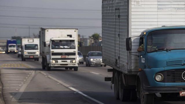 Polícia resgata casal e prende seis por roubo de carga na Grande SP