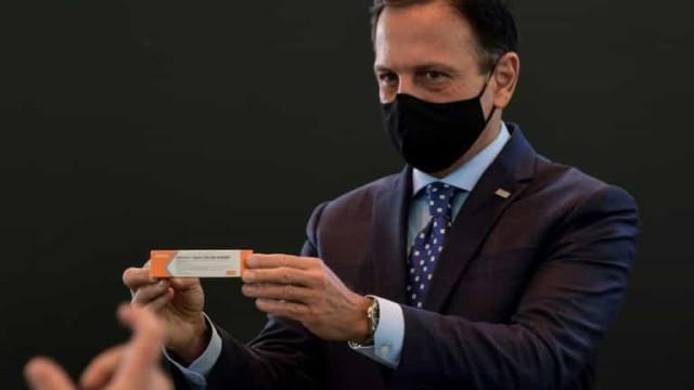 Coronavac será a vacina do Brasil, diz Doria, agradecendo à Anvisa