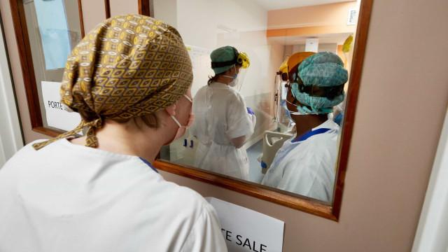 Bélgica pede a médicos que trabalhem apesar de estarem infectados