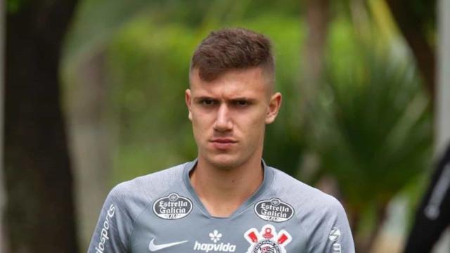 Jô e Lucas Piton podem reforçar Corinthians em estreia na Copa do Brasil