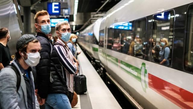 Ministro alemão espera que país tenha 20 mil casos diários de covid-19