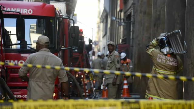 Hospital Federal de Bonsucesso pega fogo no Rio de Janeiro