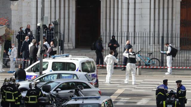 Sobe número de vítimas de ataque em Nice; Mulher foi decapitada