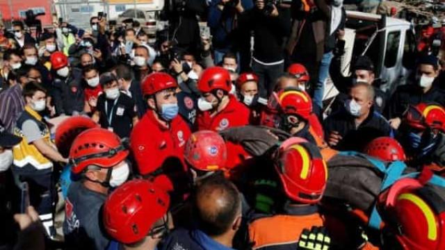 Turquia mobiliza todos os meios na busca de sobreviventes