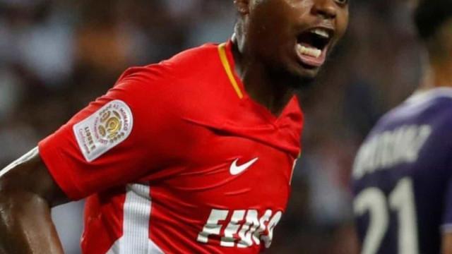 Sem jogar há nove meses, Jemerson encaminha acordo com o Corinthians