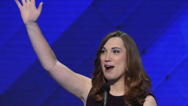 Sarah McBride é a primeira senadora transgênero na história dos EUA