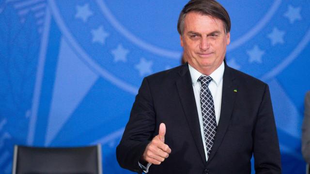 Apesar das mais de 178 mil mortes no país, Bolsonaro diz que governo agiu bem na pandemia