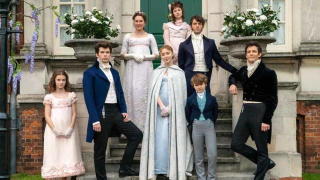 Série de Shonda Rhimes na Netflix promete drama gay na nobreza da Inglaterra