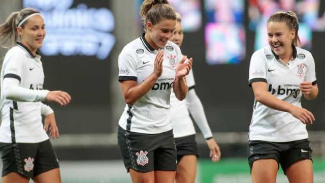 Dérbi feminino decide finalista do Brasileiro e simboliza transformação