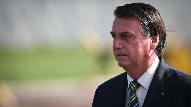 Bolsonaro reclama de gravação de conversa por Kajuru e cobra autorização judicial