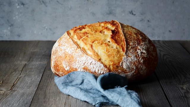 Pão fresquinho. A dica secreta para que a massa cresça mais rápido
